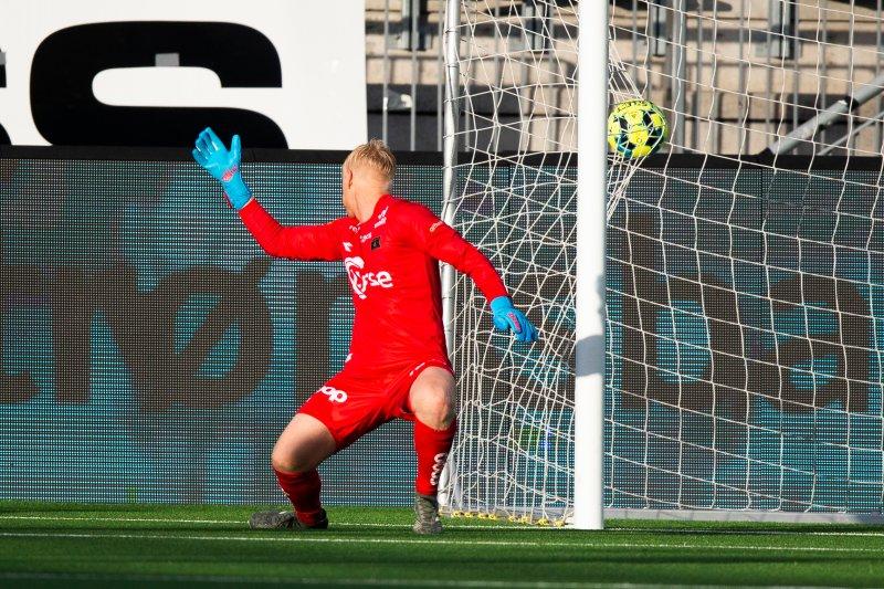 Arild Østbø fikk litt å gjøre i andre omgang, men holdt nullen. Foto: Trond Reidar Teigen / NTB scanpix