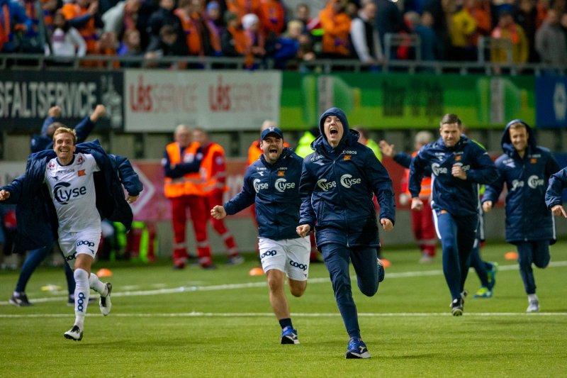 Dette bildet, tatt like etter straffen til Tripic, sier det meste om betydningen av fjorårets seier i Ålesund. Foto: Svein Ove Ekornesvåg / NTB scanpix