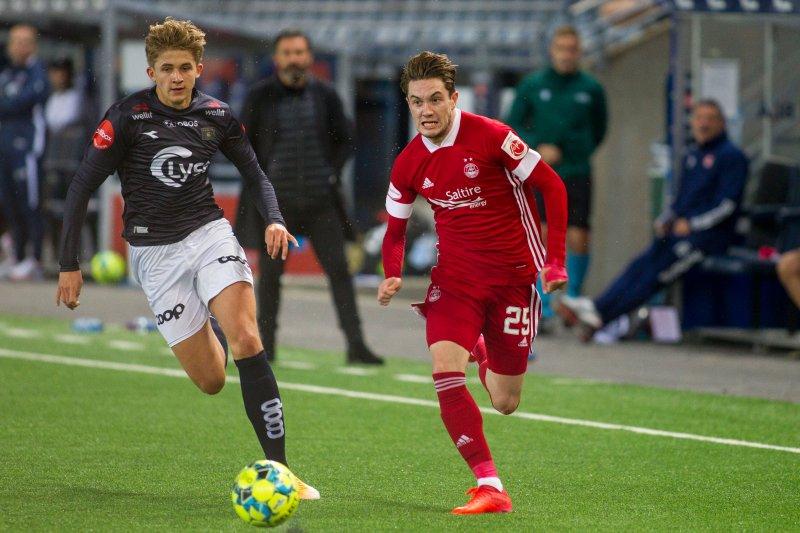 Henrik Heggheim og lagkameratene hadde det til tider travelt med å forsvare seg. Foto: Carina Johansen / NTB